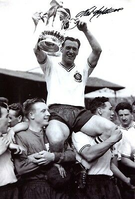 The Lion of Vienna Nat Lofthouse Bolton Wanderers FA Cup football signed photo