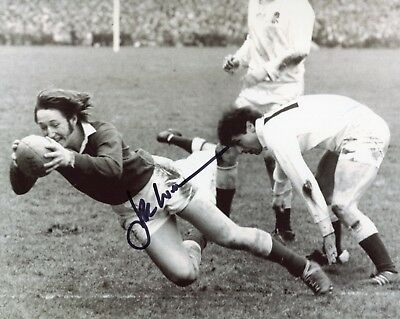 Wales Rugby Union legendary player JPR Williams signed 8x10 photo