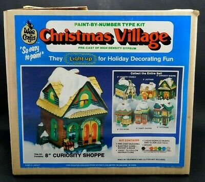 WEE CRAFTS Christmas Village CURIOSITY SHOPPE Ready to Paint Plaster Lights NEW