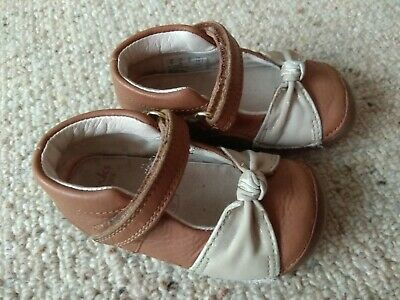 Clarks Baby Girls First Shoes Size 3.5 F Beige
