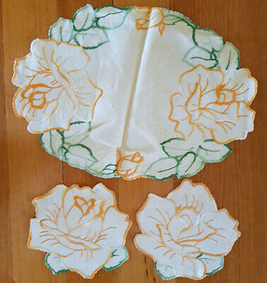 Dressing table set of linen mats, embroidered, starched, great condition, vintag