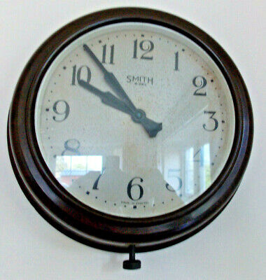 Smiths, Bakelite Wind-up wall clock. Vintage Retro, 1930's-1950's. Working well.