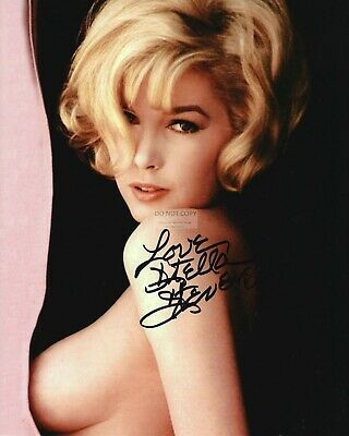 Actress Stella Stevens Pin Up With *Reprint* Autograph - 8X10 Photo (Rp009)