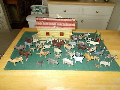 Late 1800S Early 1900S Made In Germany Noah's Ark With 40 Animals 4People 4 Tree