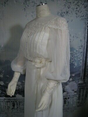 vintage 1970s gunnesax style boho victorian high neck lace wedding gown