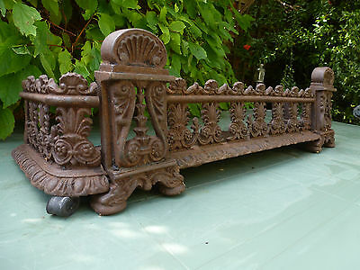 Beautiful Antique 19th Century Aesthetic Style Cast Iron Fire Fender Vintage