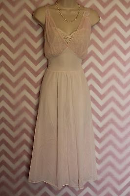 Lorraine Perfect Fitting Pink Lace Gown Size M Ballerina Length Vintage Nylon US