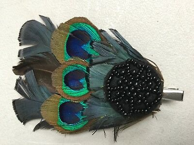 FASCINATOR / BROOCH BY ACCESSORIZE - GREEN BLACK BEAD AND FEATHER BN Sh109B
