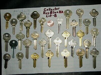 vtg collector Key Blanks Collection of 32 Old Ornate Antique lot - B