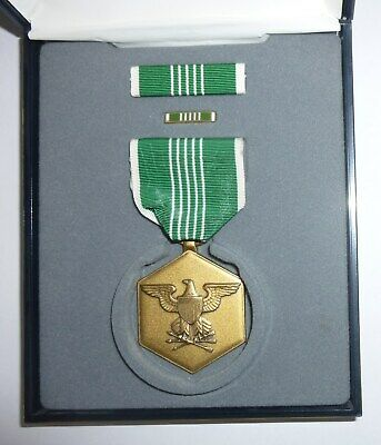 """USA ARMY MEDAL /""""FOR MILITARY ACHIEVEMENT/"""". ES"""