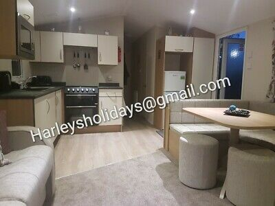 Caravan Hire, Blackpool Marton Mere, 8 Berth With Central Heating And Decking.