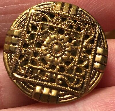 Beautiful Gold brass tone filigree vintage antique metal button #312B