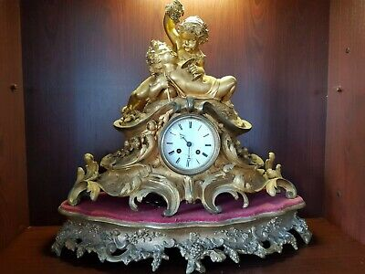 FINE BRONZE gold guilding ORMOLU ANTIQUE FRENCH CLOCK cherub