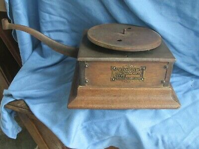Victor Early Model R Phonograph