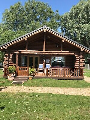 log cabin tattershall country park holiday let  private hot tub log burner