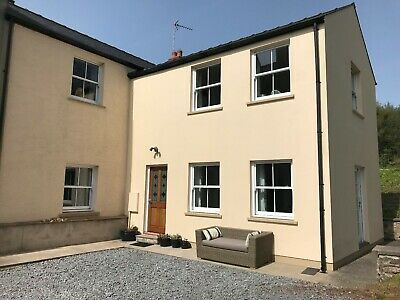 Spacious Family Holiday Cottage in Pembrokeshire sleeps 6
