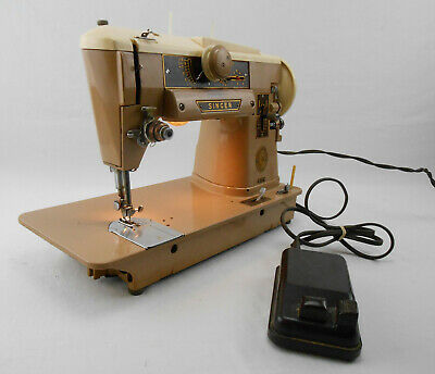 Vintage SINGER Model 401A Slant Needle SEWING MACHINE 1959 #14