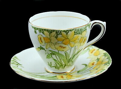 "ROYAL STANDARD England Bone China ""DAFFODILS"" Footed Cup & Saucer Set"