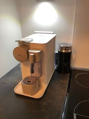 BUNDLE DEAL - De'Longhi Lattissima One Nespresso Coffee Machine+Frother + Credit