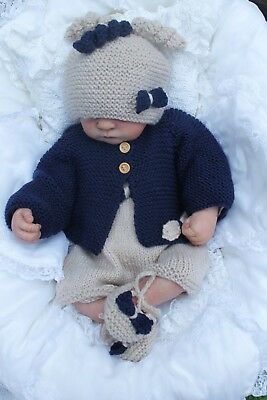 Pattern VR52 DK Baby Cardigan Hat /& Shoes