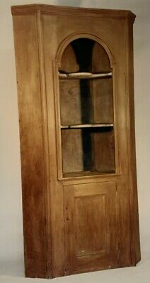 Antique Queen Anne form wall/corner cupboard of New Hampshire pine c.1770