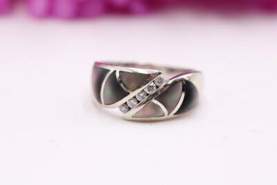 Kabana 14K white gold diamond and Mother of Pearl ring