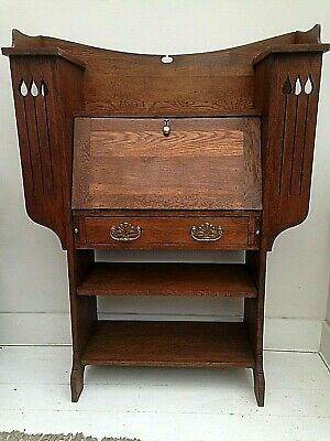 A Stunning Arts & Crafts Movement Oak Bureau Desk - Art Nouveau, Aesthetic