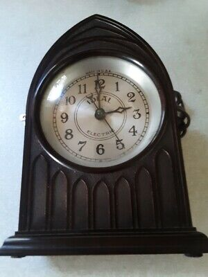 Vintage IDEAL Bakelite Cathedral Electric Mantel Clock Art Deco Working - USA