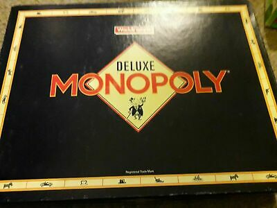 Waddingtons DELUXE MONOPOLY Board Game With Gold Tone Playing Pieces