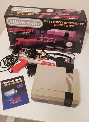 Boxed Action Set/ Nintendo NES Console - Pads/Zapper/Super Mario Bros & Duckhunt