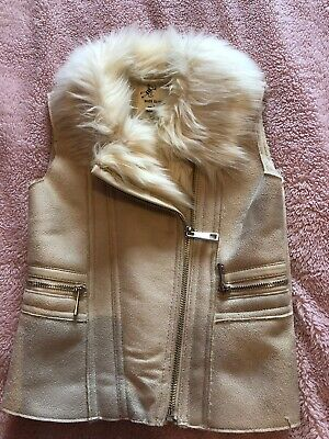 River Island Girls Faux Fur Gilet. Size 4-5 Years