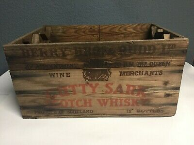 Vintage Cutty Sark Scotch Whiskey Wooden Crate Berry Bros  New York/ Texas Stamp