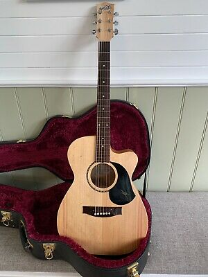 "Maton EBG808CL ""Performer"" acoustic guitar w. pick-up.  As new condition."