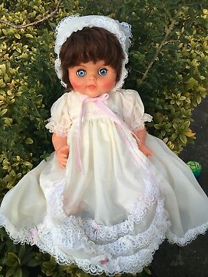 Beautiful Vintage 'Evergreen' Baby Dolls Excellent Condition Brunette Twist Hand