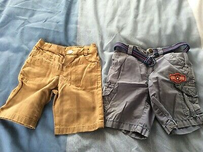 2 Pairs of Baby Boys Shorts Aged 12-18 Months - Used GC