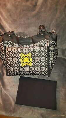 Petunia Pickle Bottom Classically Black/White Carryall/Diaper Bag