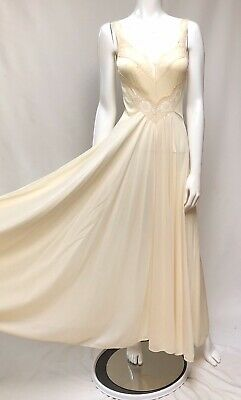 Vtg Olga Body Silk Off White Gown Full Sweep Nightgown Dress Style 9295 Size S