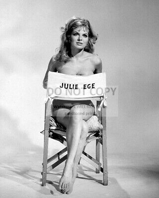 Julie Ege Norwegian Actress And Model Pin Up - 8X10 Publicity Photo (Sp493)