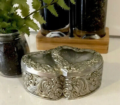 VINTAGE SILVER PEWTER 2 HEARTS TOGETHER JEWELLERY BOX VELVET LINED 40's