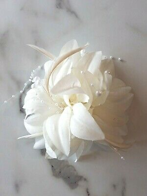Ivory Cream Flower Feather Hair Fascinator Races Ascot Wedding Clip Pin Pearl 31