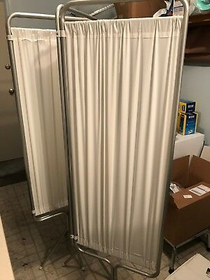 PRIVACY SCREEN PANEL for medical office in perfect condition