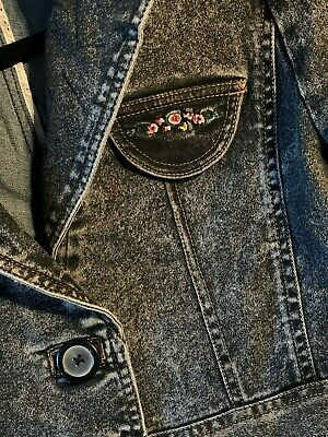 Denim jacket.Boho style with embroidery.Brand new.Pls open listing for details.
