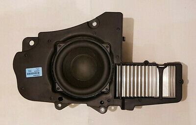Volvo Xc90 Premium Sound System Subwoofer 30656905 And Absorbent