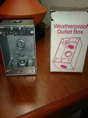 Weather Proof Outlet Box Three 1/2 Hubs Cat. No.30201