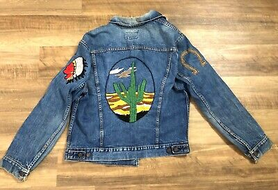 Vintage Levi Strauss & Co Denim Jacket Embroidered Native American Western SZ 48