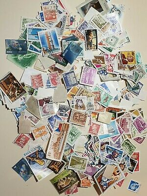 World Stamps Unsorted . Aprox 60g  (All off paper)