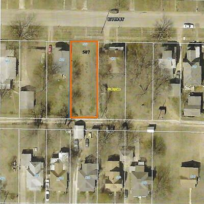 Build your new home here!  Vacant Residential Lot in Coffeyville, KS