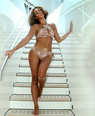 BEYONCE POSTER 24x36 inches - HOLLYWOOD CELEBRITY PHOTO POSTER Q