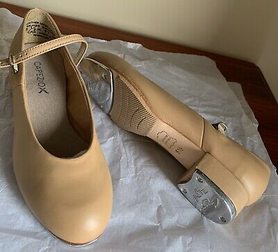 TAP SHOES. Size 5 1/2