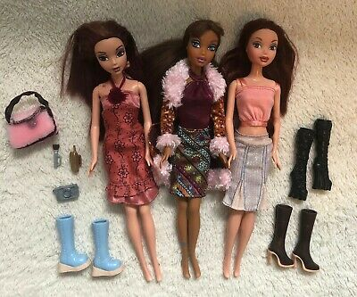Bundle of Fashion Dolls with Accessories, size of a Barbie